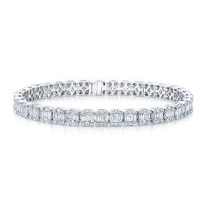 18K White Gold Emerald Cut Diamond Tennis Bracelet