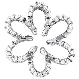 14Kw Daisy Style Diamond Pendant 0.25 CT TW